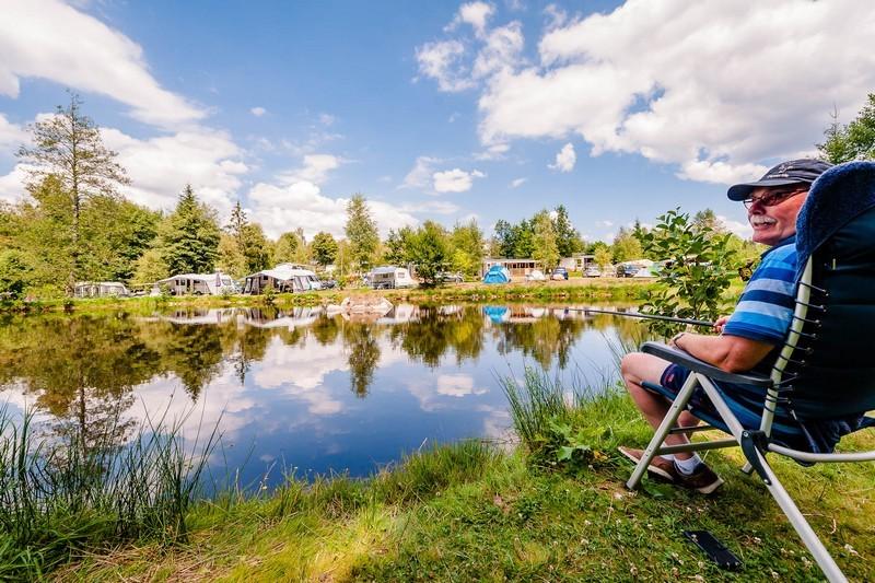 camping-la-steniole-etang-de-peche-938
