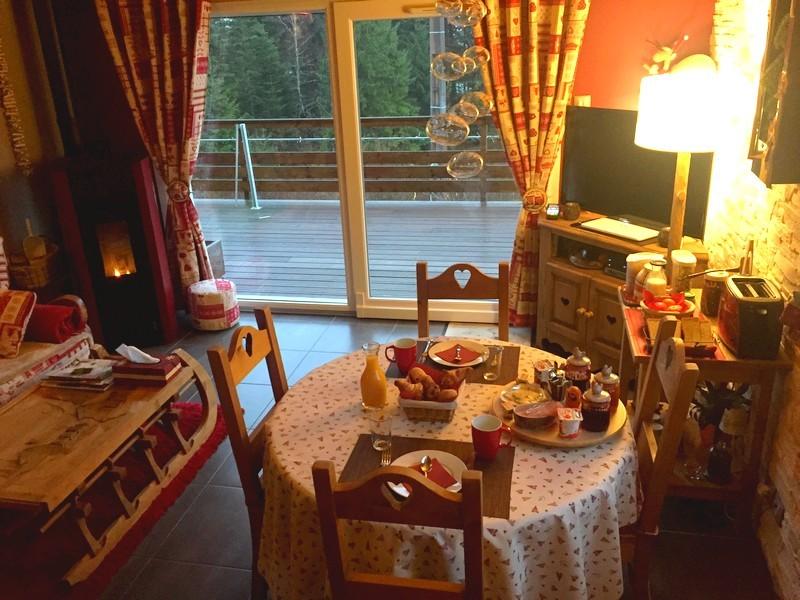 Salle petit déjeuner Chambres d'hôtes Fleur de Lorraine à L'Eden de Floridylle Xonrupt-Longemer Vosges