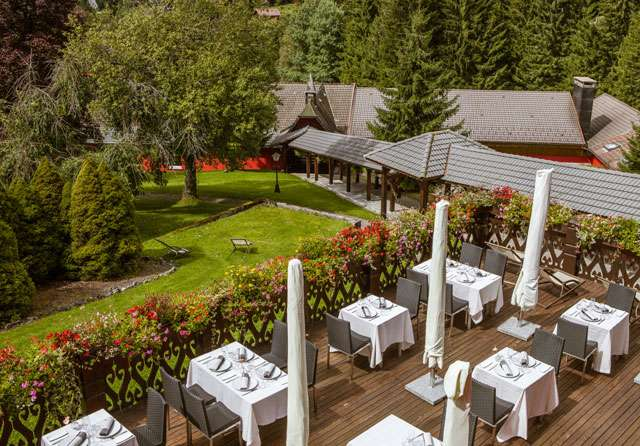 Terrasse du restaurant aux Jardins de Sophie Xonrupt Vosges