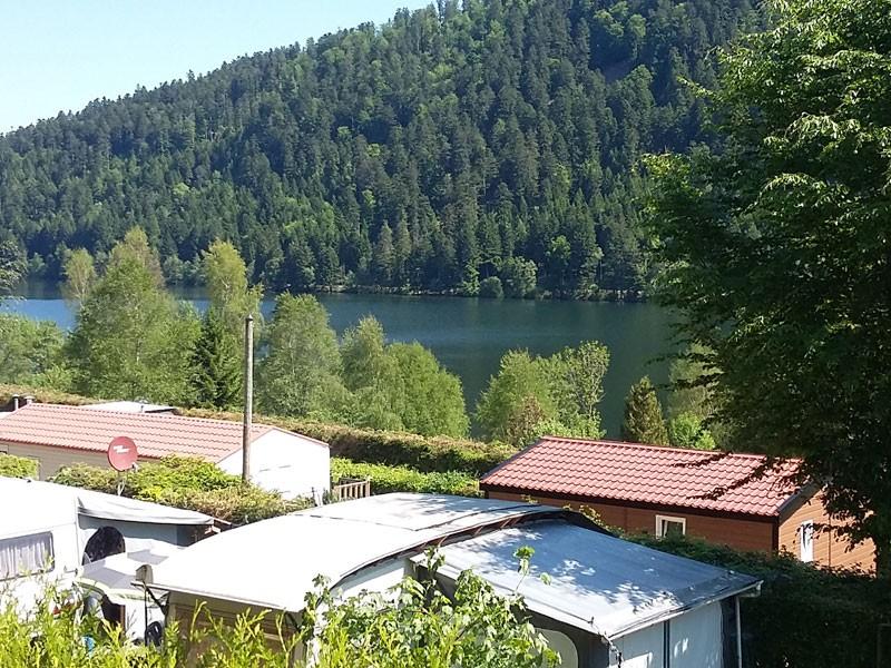 camping-la-chaumiere-xonrupt-longemer-hautes-vosges-vue-lac-ete878